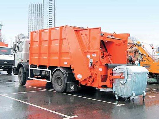 """Киевские власти приготовили """"сюрприз"""": повысили тарифы на вывоз мусора"""