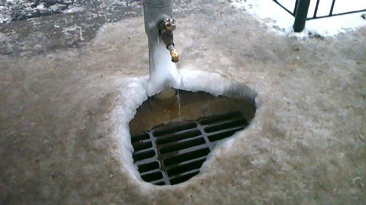 Вода в бюветных комплексах Киева может превратиться в лед