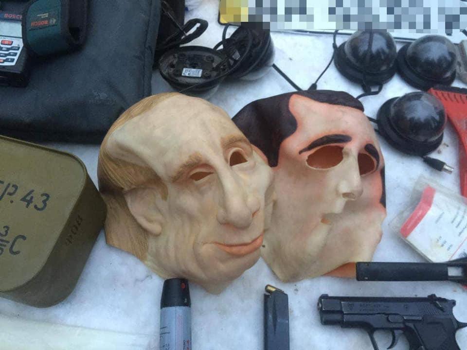На Киевщине бандиты в масках Путина грабили иностранцев