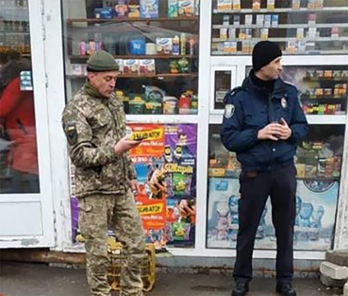 """В полиции прокомментировали """"ловлю"""" военнообязанных в Киеве"""