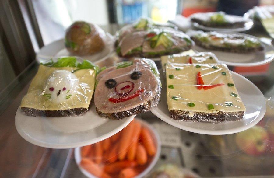 Киевские школьники могут остаться без бесплатного питания