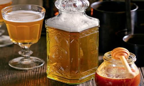 Праздник, как на Руси: пьём и закусываем традиционную медовуху правильно