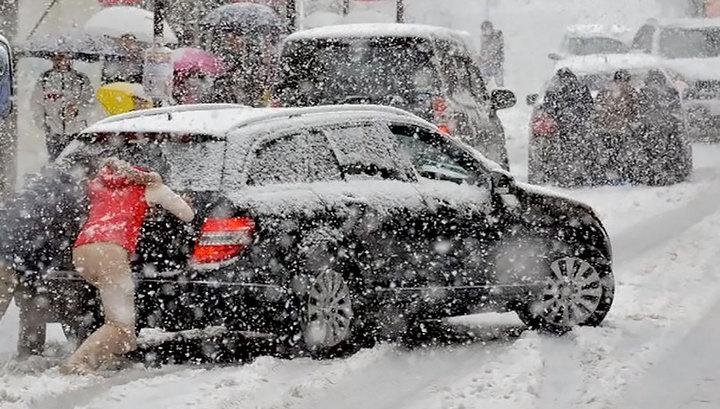 На Киев движется сильнейший снегопад