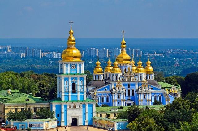 И мировые лидеры, и политические оппоненты поддержали Порошенко в создании независимой церкви, – блогер