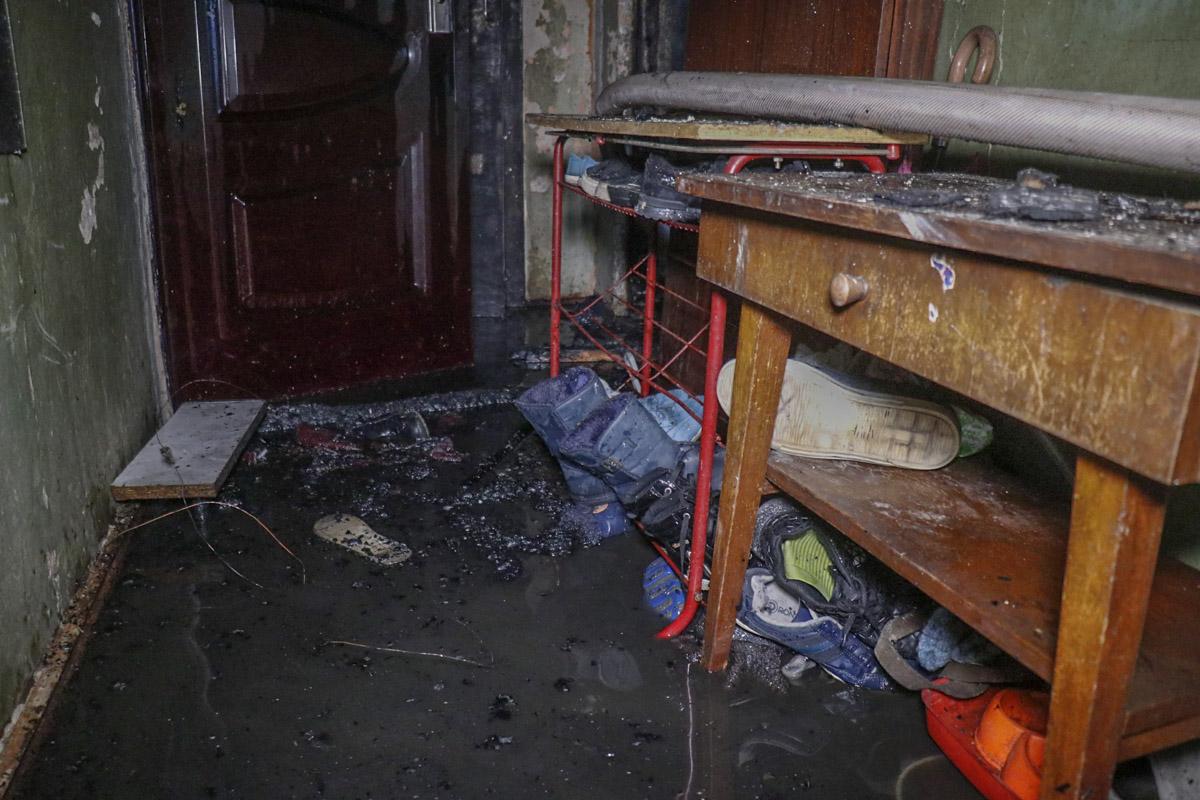 В Киеве из коммунальной квартиры спасли ребенка-инвалида