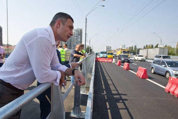 Киев лидирует по ремонту дорог в Украине - Кличко