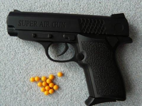 На Оболони мужчина с игрушечным пистолетиком ограбил заведение