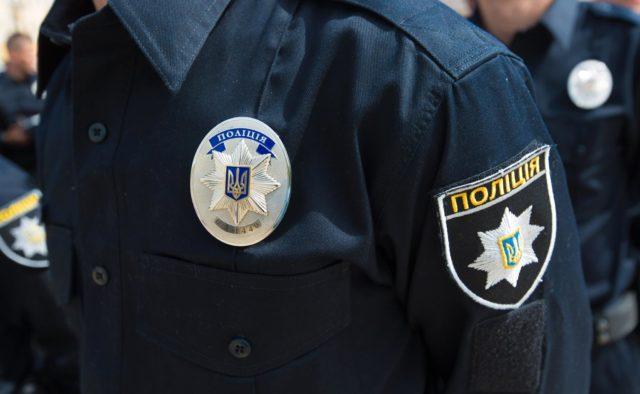 В Киеве полицейский напал на 12-летнюю девочку