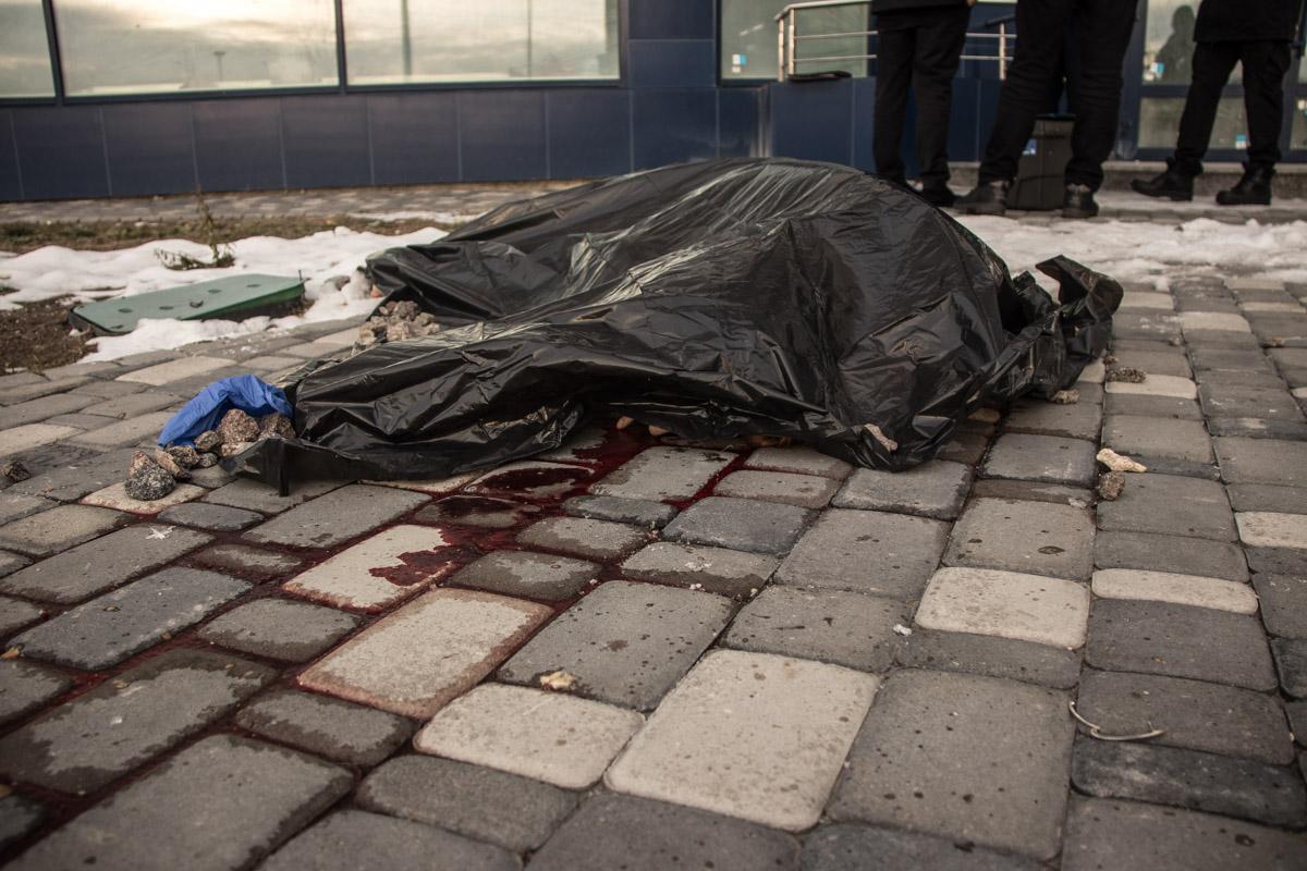 В Киеве молодая девушка совершила суицид, оставив после себя три записки