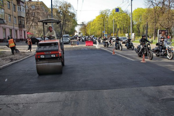 """В """"Киевавтодоре"""" предупреждают о масштабных ремонтных работах на дорогах"""