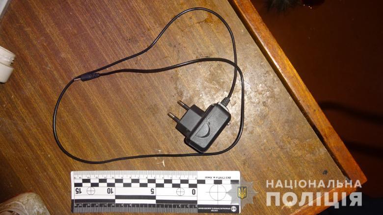 Пьяный киевлянин задушил женщину зарядкой от мобильника
