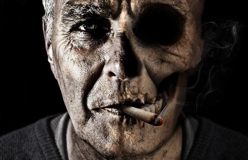 На Троещине 60-летний курильщик основательно сжег квартиру