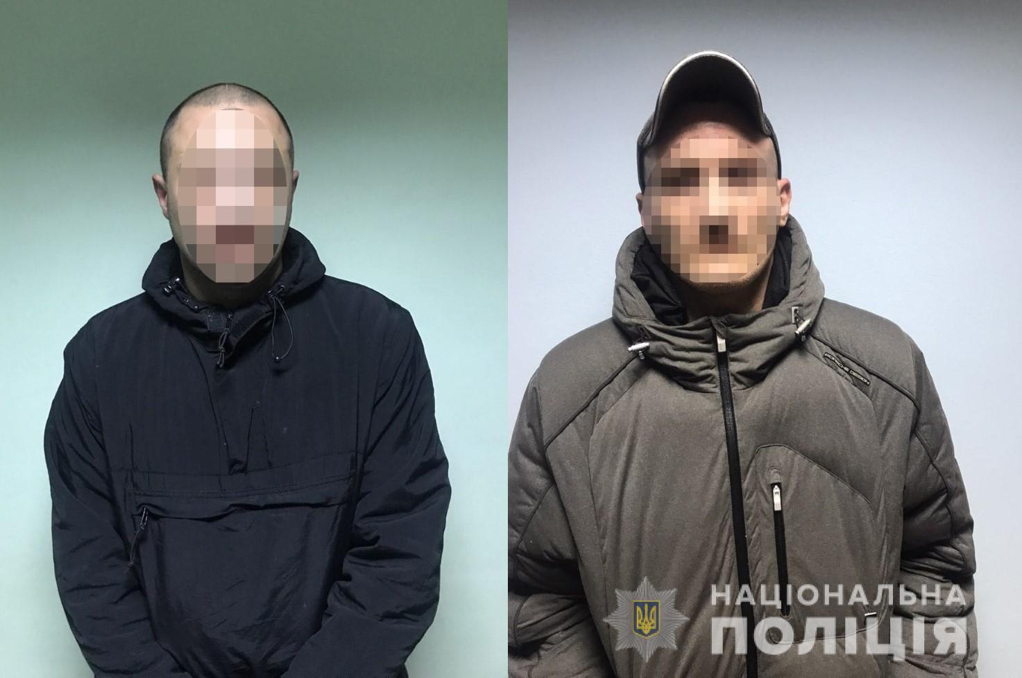 Двое мужчин угнали чужое авто с помощью эвакуатора