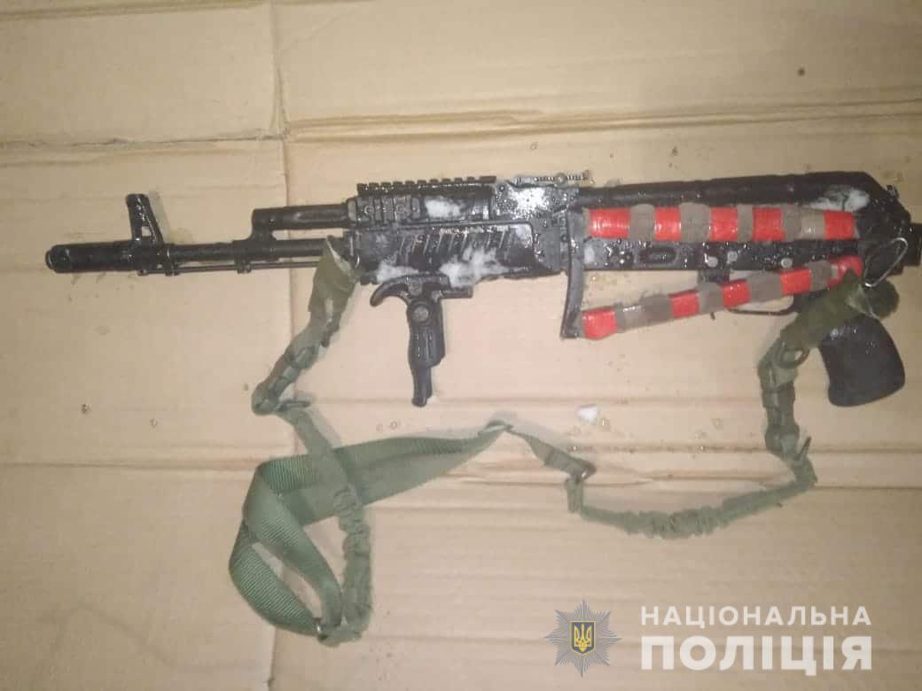 В Броварах мужчина из ревности устроил стрельбу из автомата Калашникова