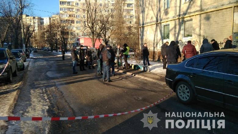 В Киеве прямо на улице зарезали 53-летнего мужчину