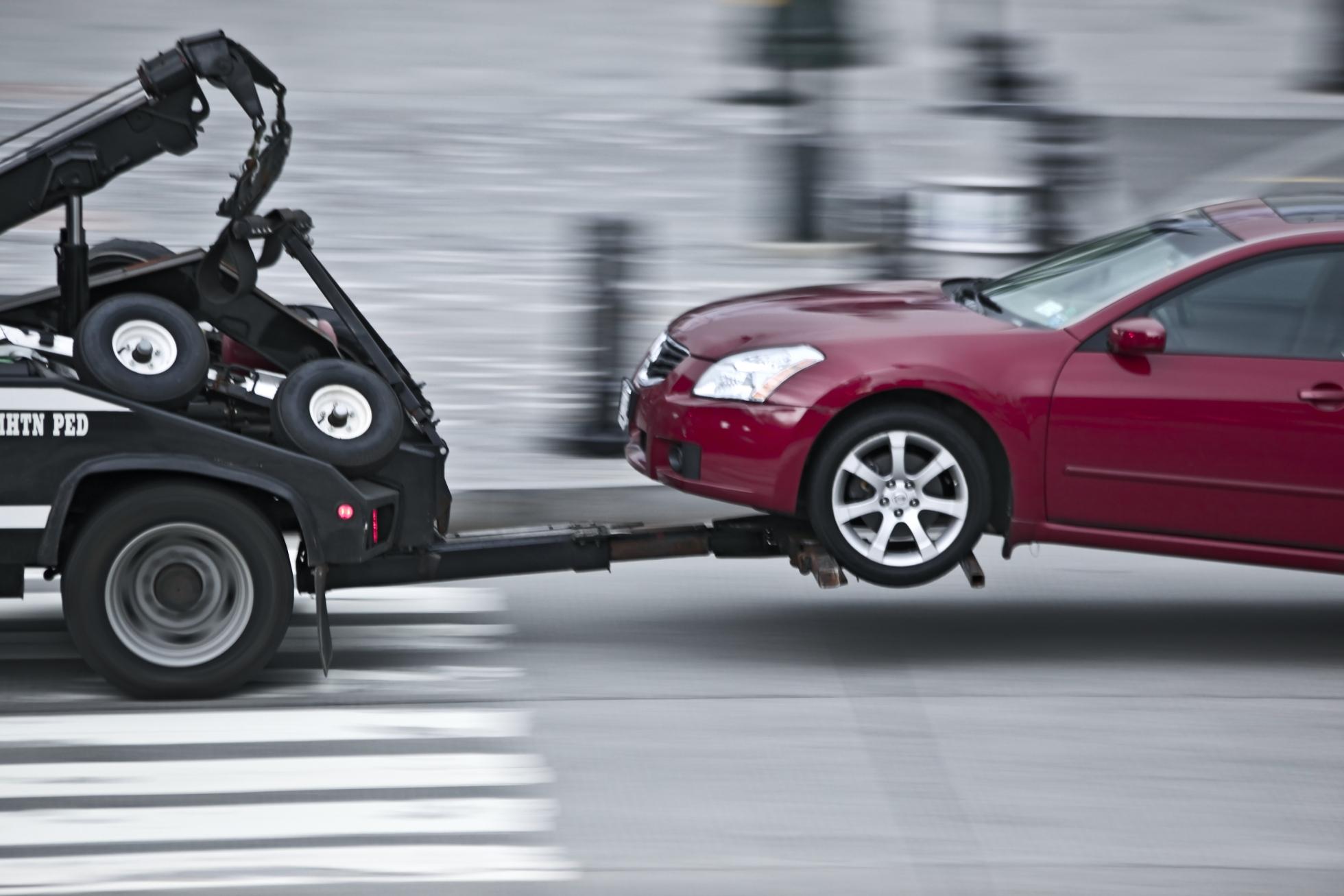 Эвакуаторы будут круглосуточно увозить машины водителей-нарушителей