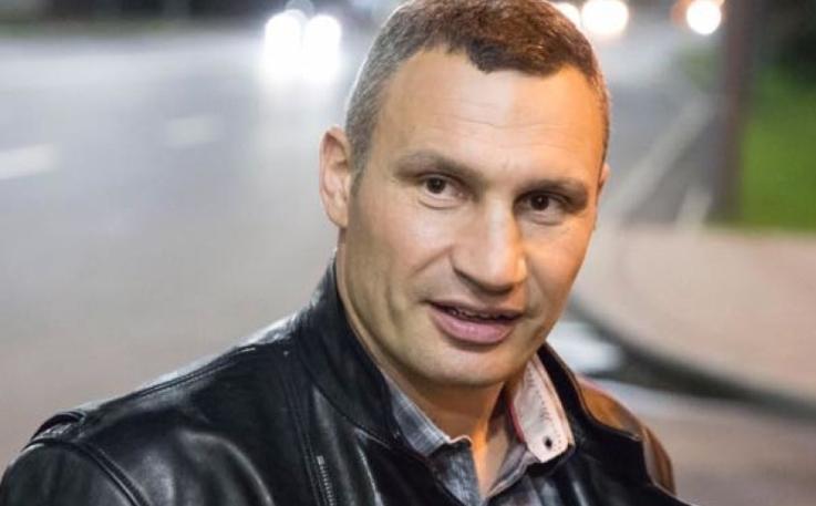 Застройщик на Осокорках, с которым Киев разорвал договор, развернул кампанию «черного пиара» против Кличко