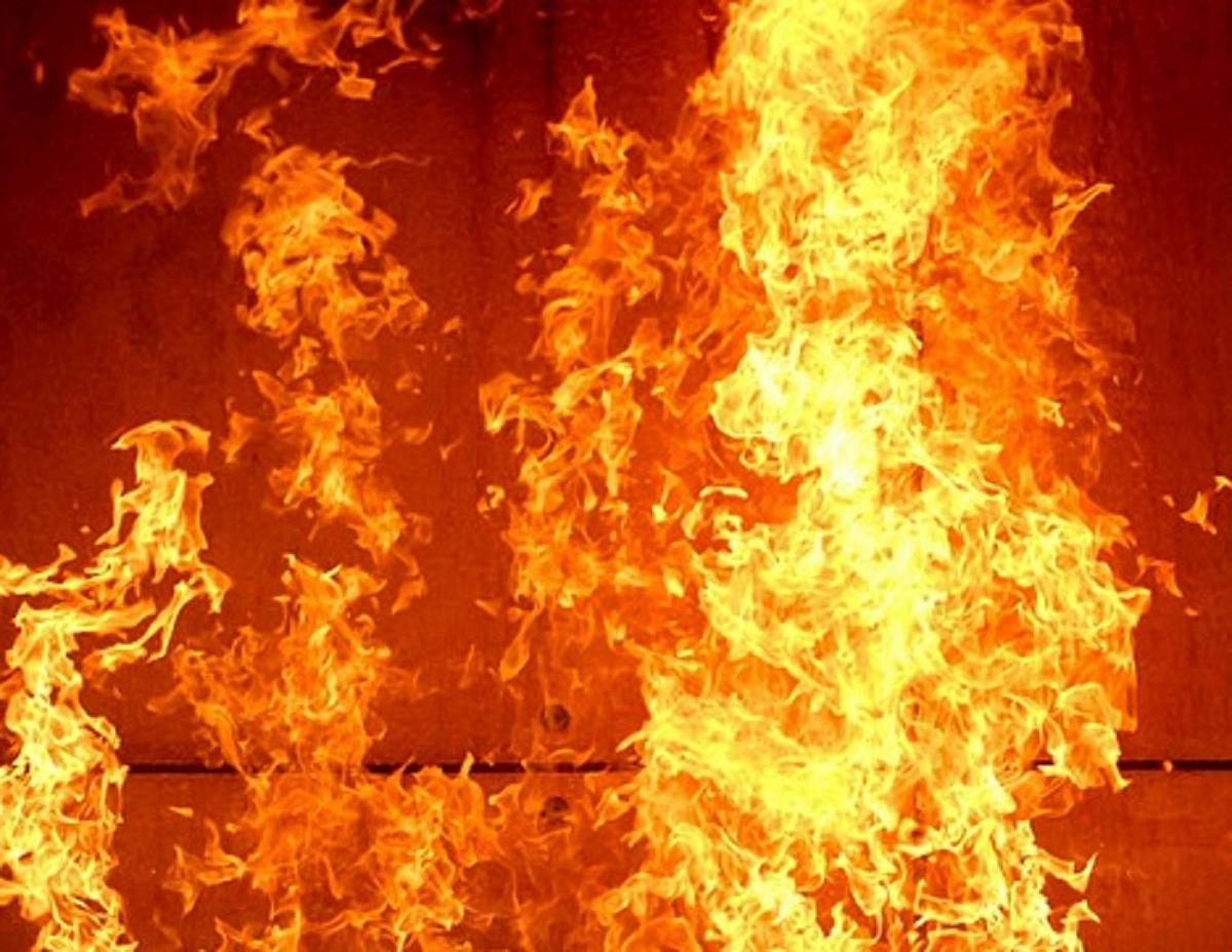 """На Киевщине мужчина на День Валентина """"подарил"""" женщине сгоревший дом"""