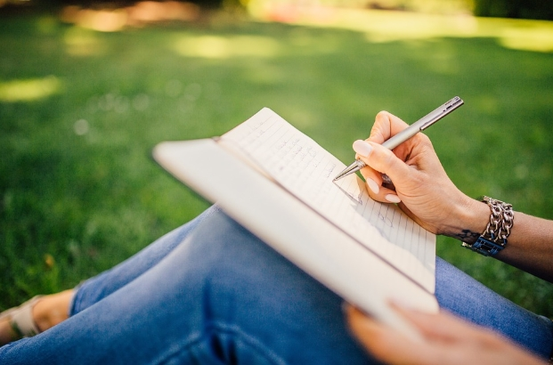 4 Tips for Writing a Compare and Contrast Essay