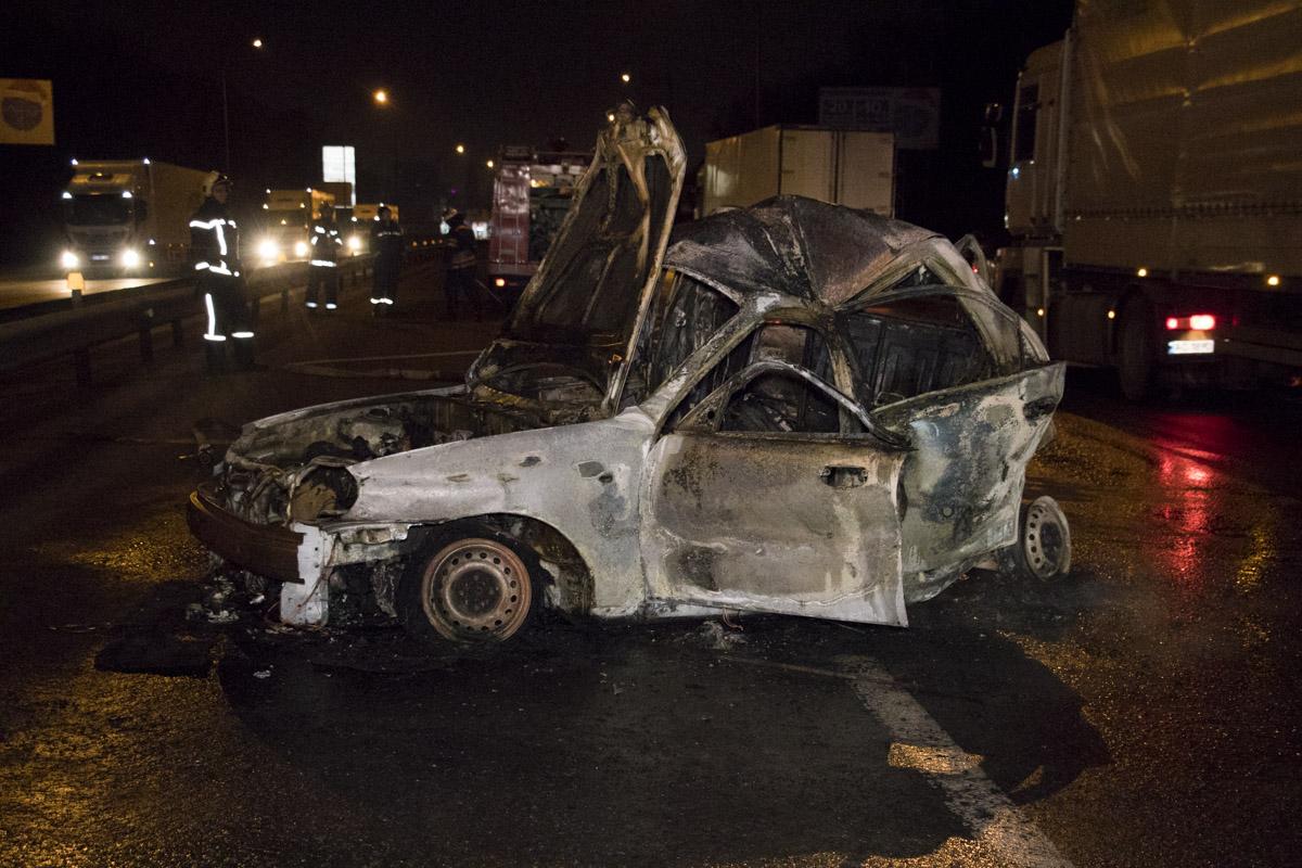 Ужасная автокатастрофа в Киеве: в такси заживо сгорел пассажир