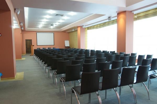Конференц залы: подводные камни во время поиска