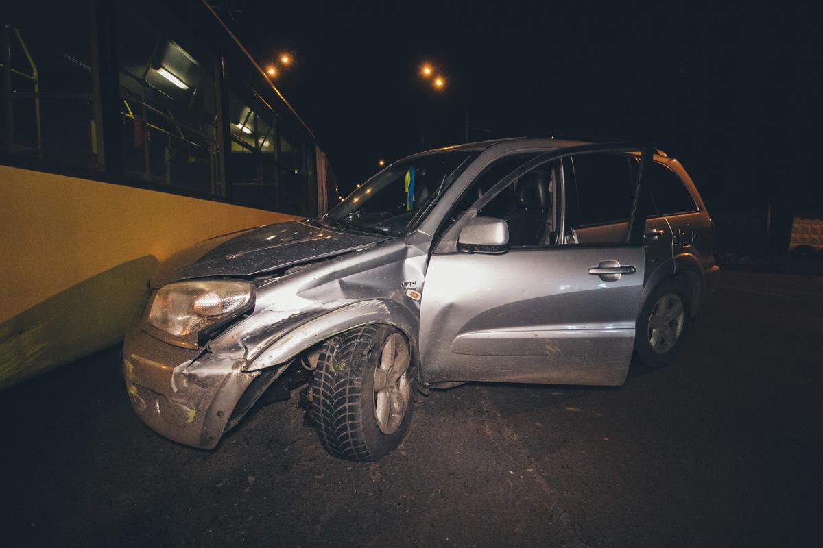 ДТП с троллейбусом: у водителя внедорожника случился инсульт