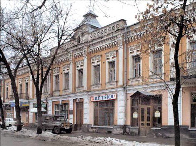 С еще одной центральной улицы Киева убрали незаконную наружную рекламу - КГГА