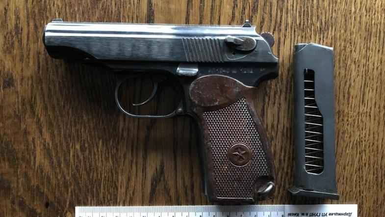 В киевском кафе из-за пистолета мужчина не смог нормально пообедать