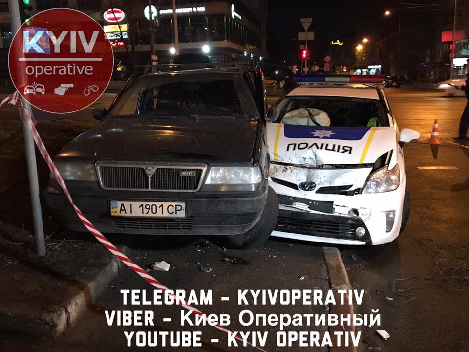 В Киеве пьяный подросток угнал у отца автомобиль на 8-е марта