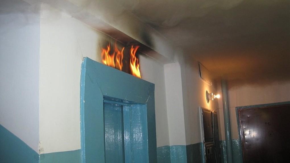 На Оболони в жилом доме сгорел лифт