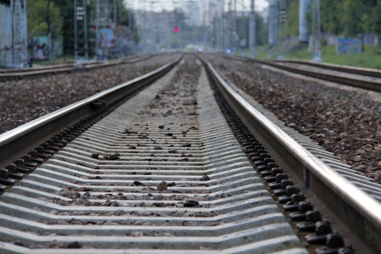 На ж/д вокзале в Киеве поезд отрезал мужчине голову