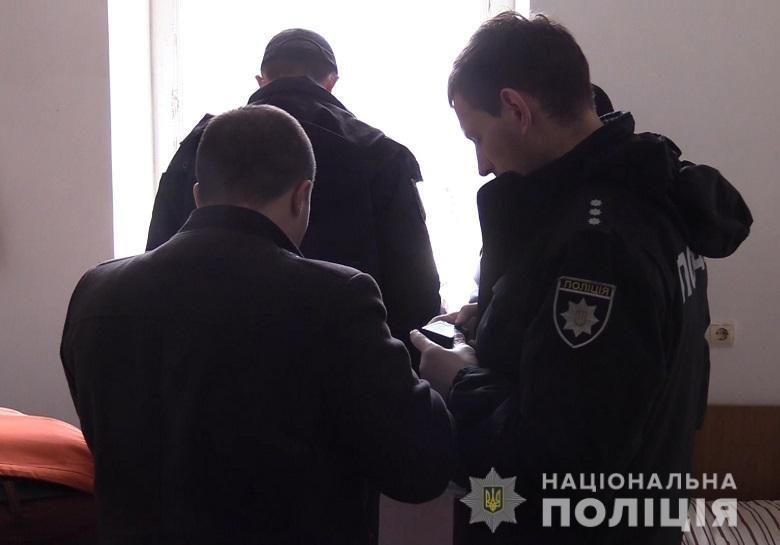 В киевском общежитии неизвестный предмет убил мужчину