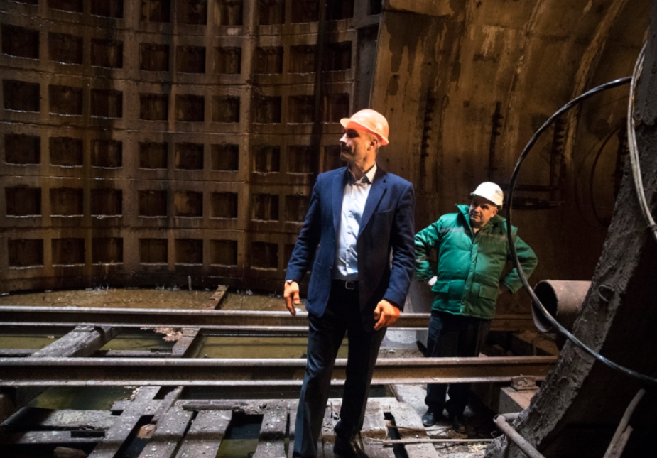 Кличко показал, как будет строиться метро на Виноградарь