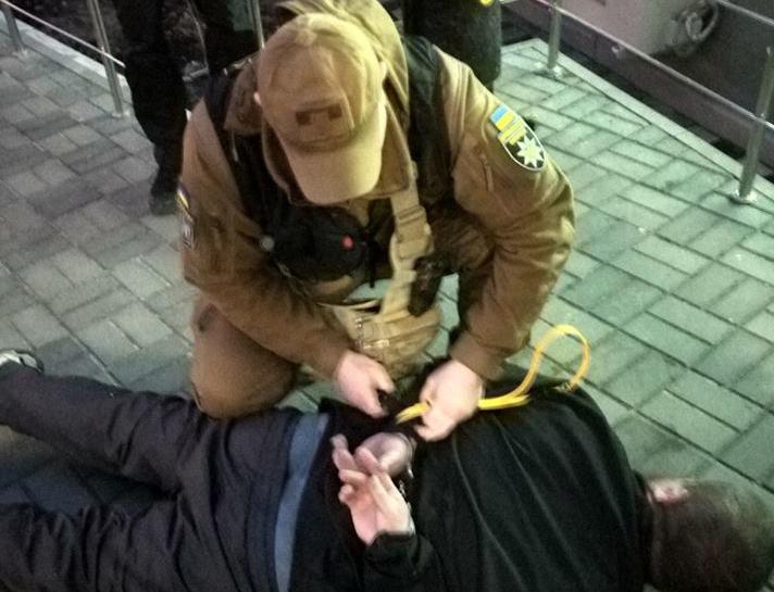 Муниципальная охрана Киева задержала буйного наркомана, который устроил дебош в больнице