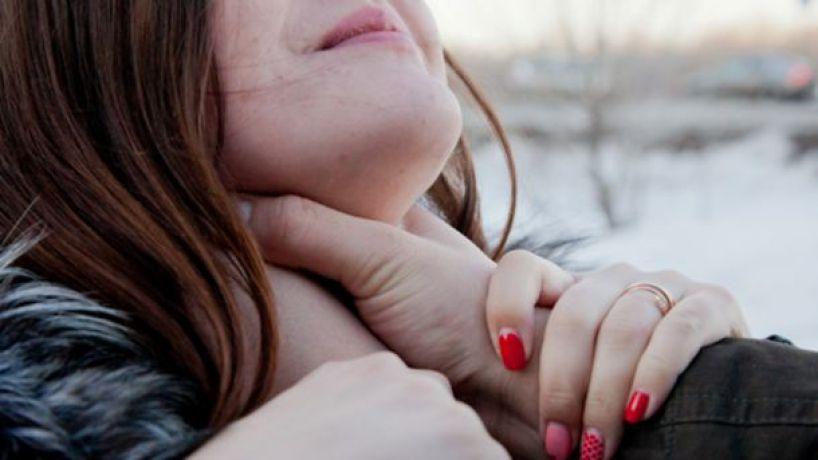 На Лесном проспекте киевлянин избил девушку из-за того, что она не захотела знакомиться
