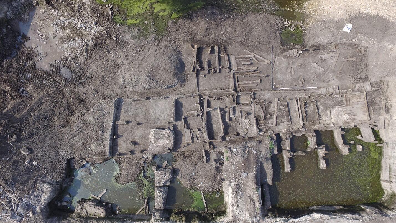 В Киеве обнаружили древнюю улицу из прошлых столетий