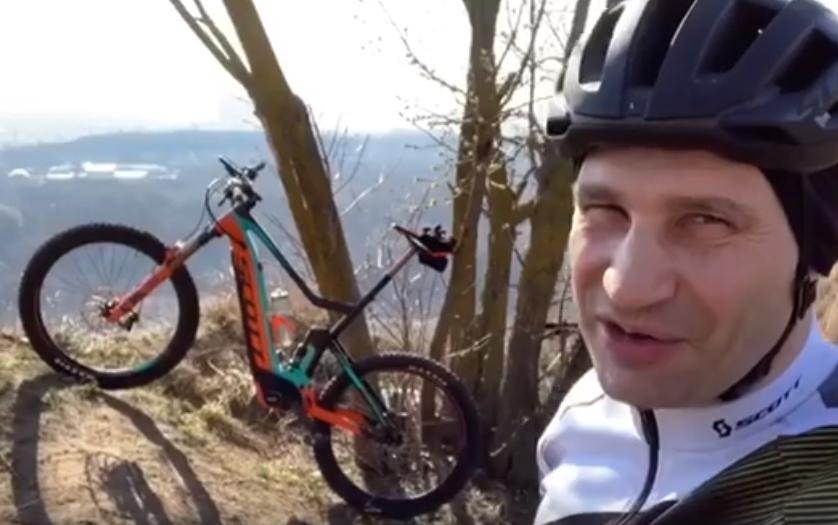 Мэр Киева решил проехать 5 000 километров на велосипеде