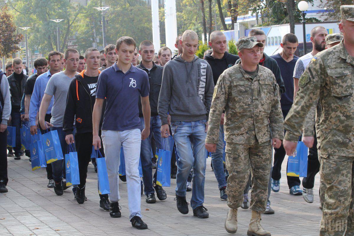 Стало известно, сколько киевлян заберут в армию