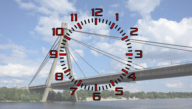 Из-за ремонта на мостах в Киеве водителям нужно больше времени на дорогу
