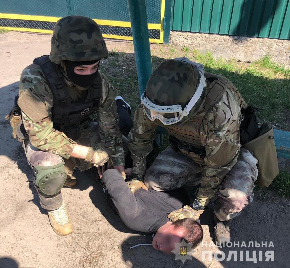 Полиция задержала убийцу участкового офицера, которого убили под Киевом