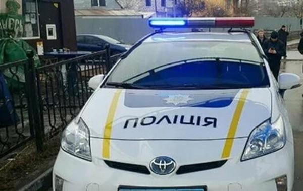 В Киевской области мужчина разбил себе голову об глаз полицейского