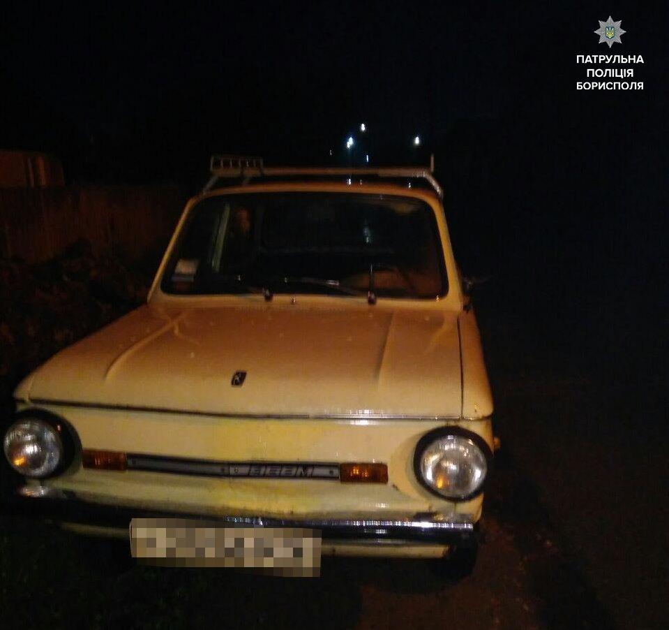"""Под Киевом пьяный водитель пытался """"замаскироваться"""" от полицейских"""