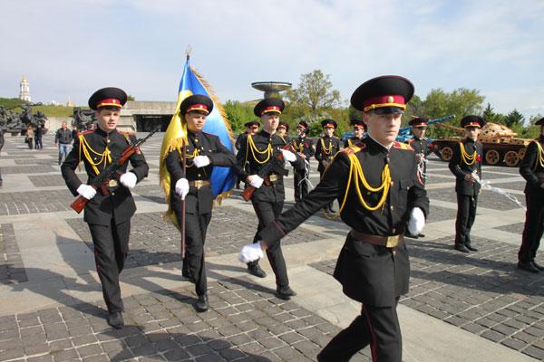Кадеты будут ездить бесплатно в общественном транспорте Киева