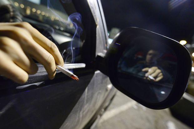 Киевлянин лишился крупной суммы денег из-за сигареты