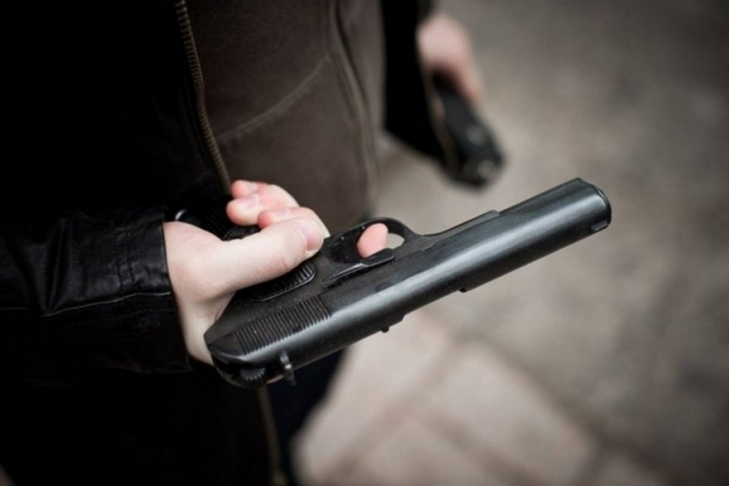 В Киеве пьяный мужчина подстрелил велосипедиста