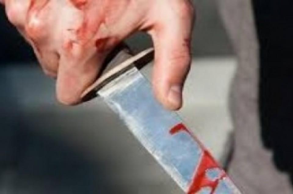 На Теремках зарезали 18-летнюю девушку