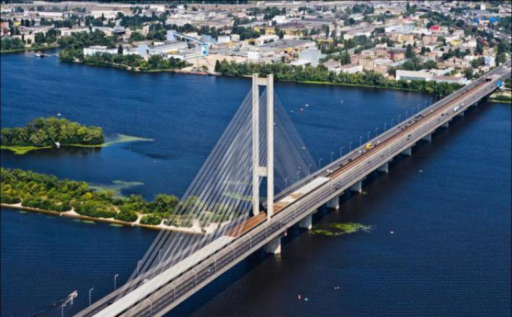 До конца августа на Южном мосту ограничат движение