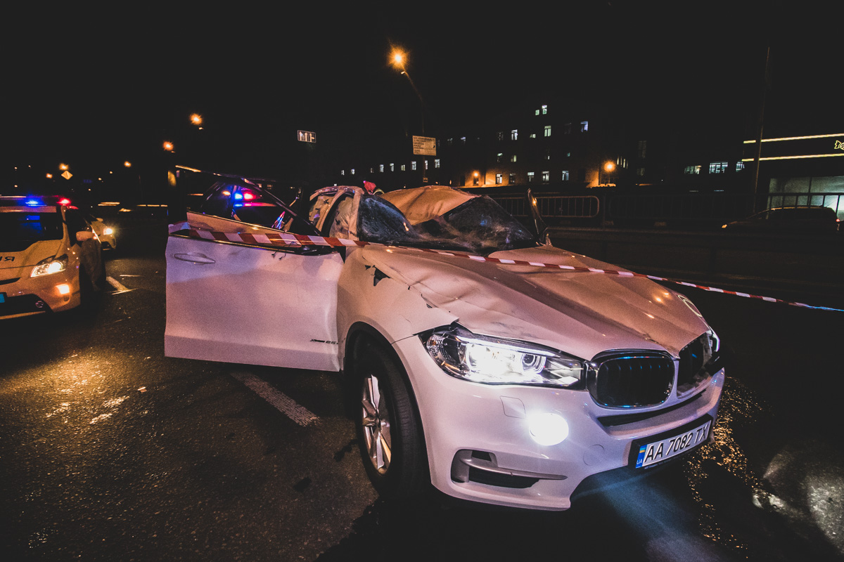 """Пьяная компания на """"BMW"""" заставила копов гоняться за ними ночью по городу"""
