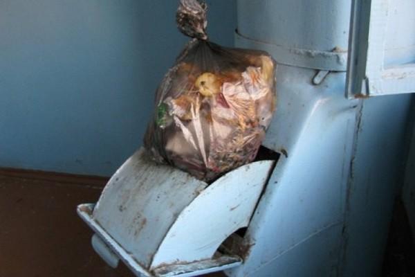 """В столичных домах """"уничтожат"""" мусоропроводы"""