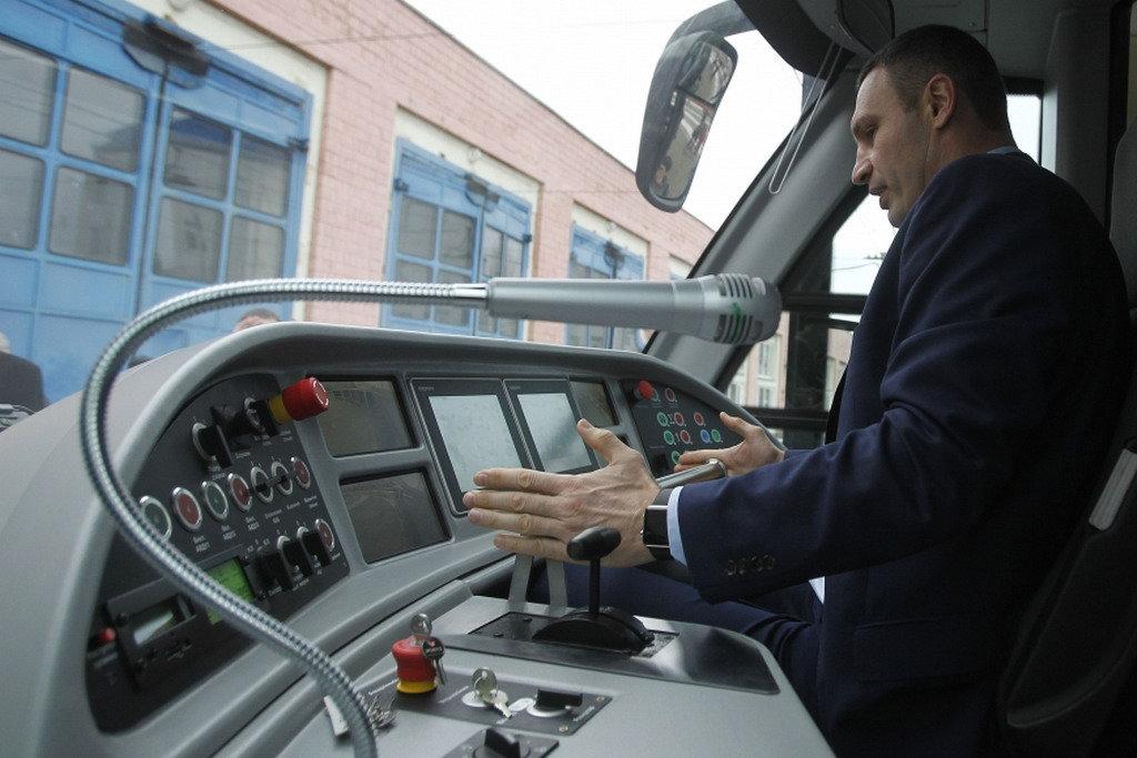 Кличко назвал сроки возобновления работы трамваев на Борщаговской линии